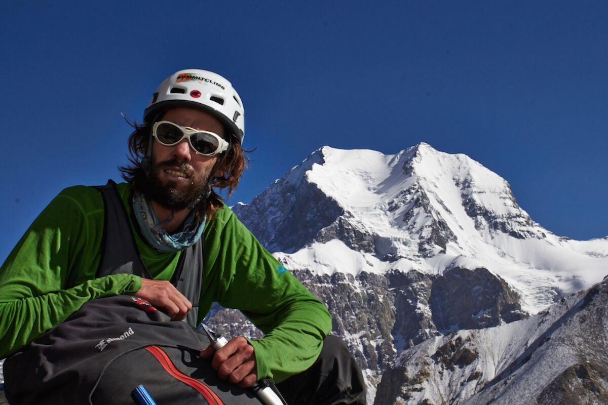 Felix Berg @ Pik Kommunismus, Weg zum Lager 1 - Korzhe Background | © Felix Berg @ SummitClimb