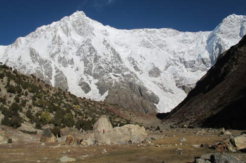 Join a true Summit-Adventure: Expedition to climb the Rupal face of Nanga Parbat.