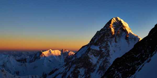 K2 im Morgenlicht während der Broad Peak Besteigung - Summit Day ((Photo: Felix Berg, 2014)