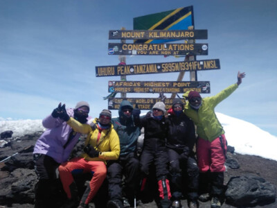 Kilimanjaro Summit - Uhuru Peak: 100% of members on the top. Congratulations! | © SummitClimb DE - Kilimanjaro