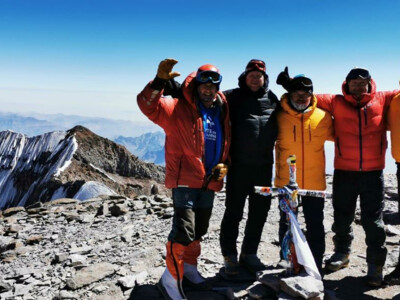 Mountaineering team on the summit of Aconcagua | © SummitClimb Aconcagua