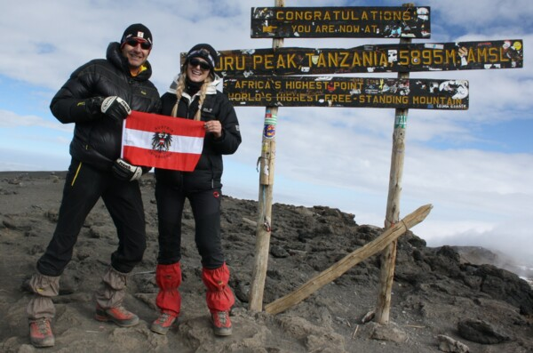 Team Austria on top of Kilimanjaro: congratulations!