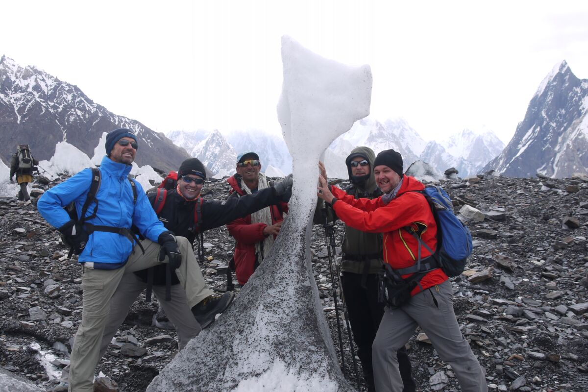 Karakorum Summit-Trekking-Team am Concordiaplatz
