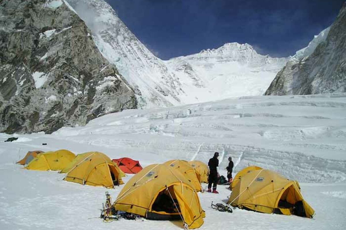 Everest Camp 2 mit Blick auf Lhotse - Everest Expedition Nepal | © SummitClimb - Dan Mazur