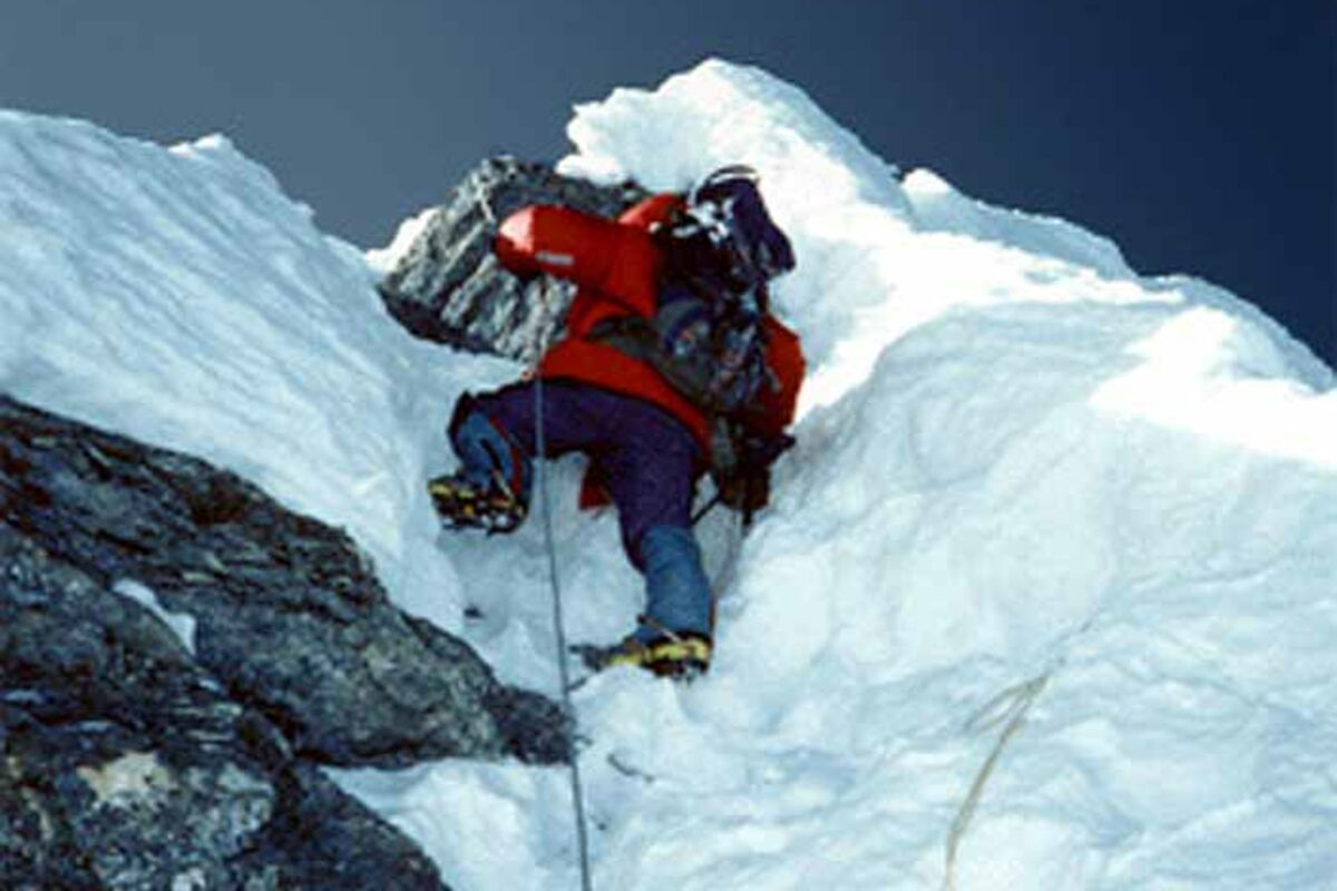 Hillary Step am Everest bei der 1991-Besteigung, Roman (Photo: Dan) | © SummitClimb 1991 - Dan Mazur