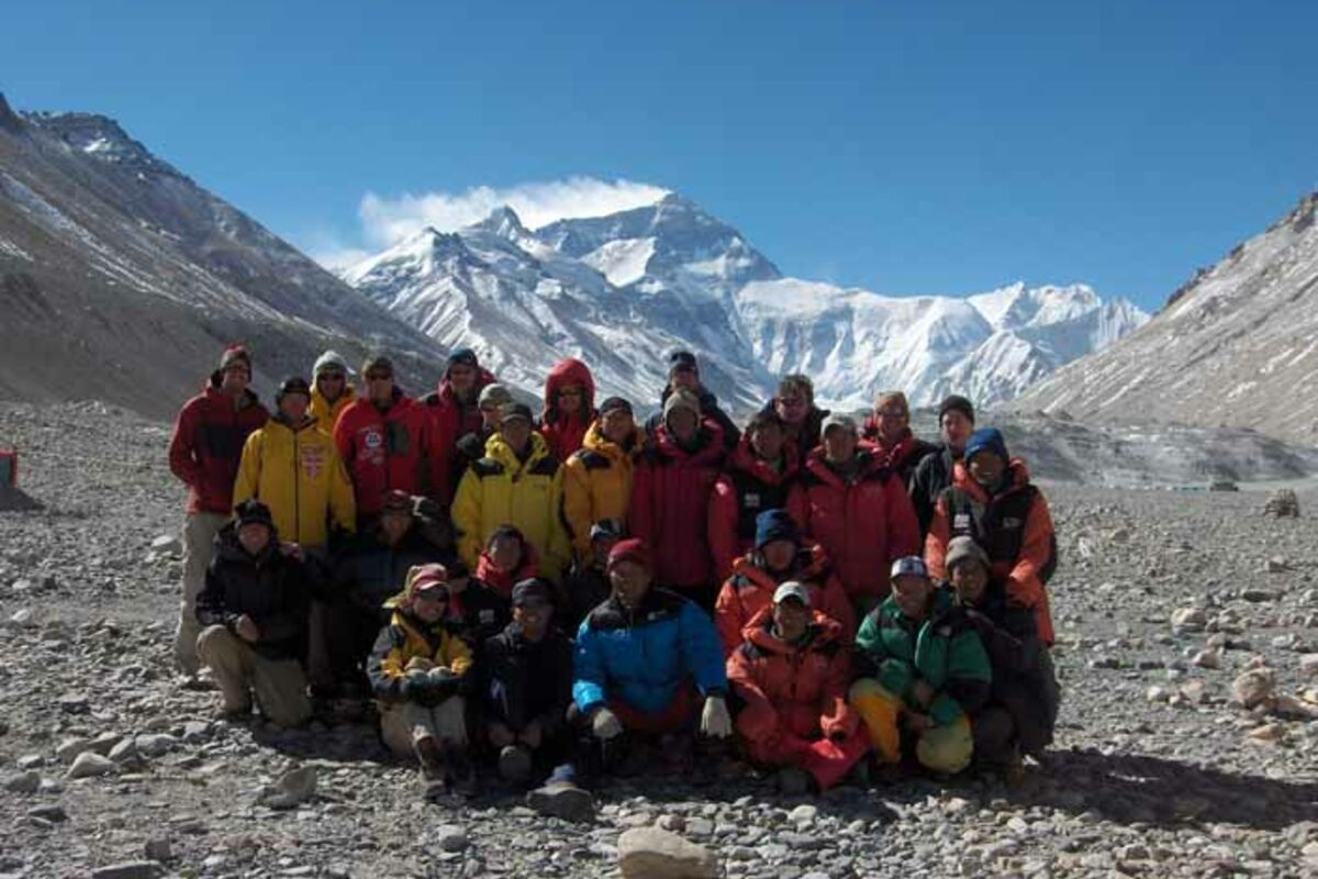 Team der Everest Besteigung Tibet im Basislager | © SummitClimb Everest
