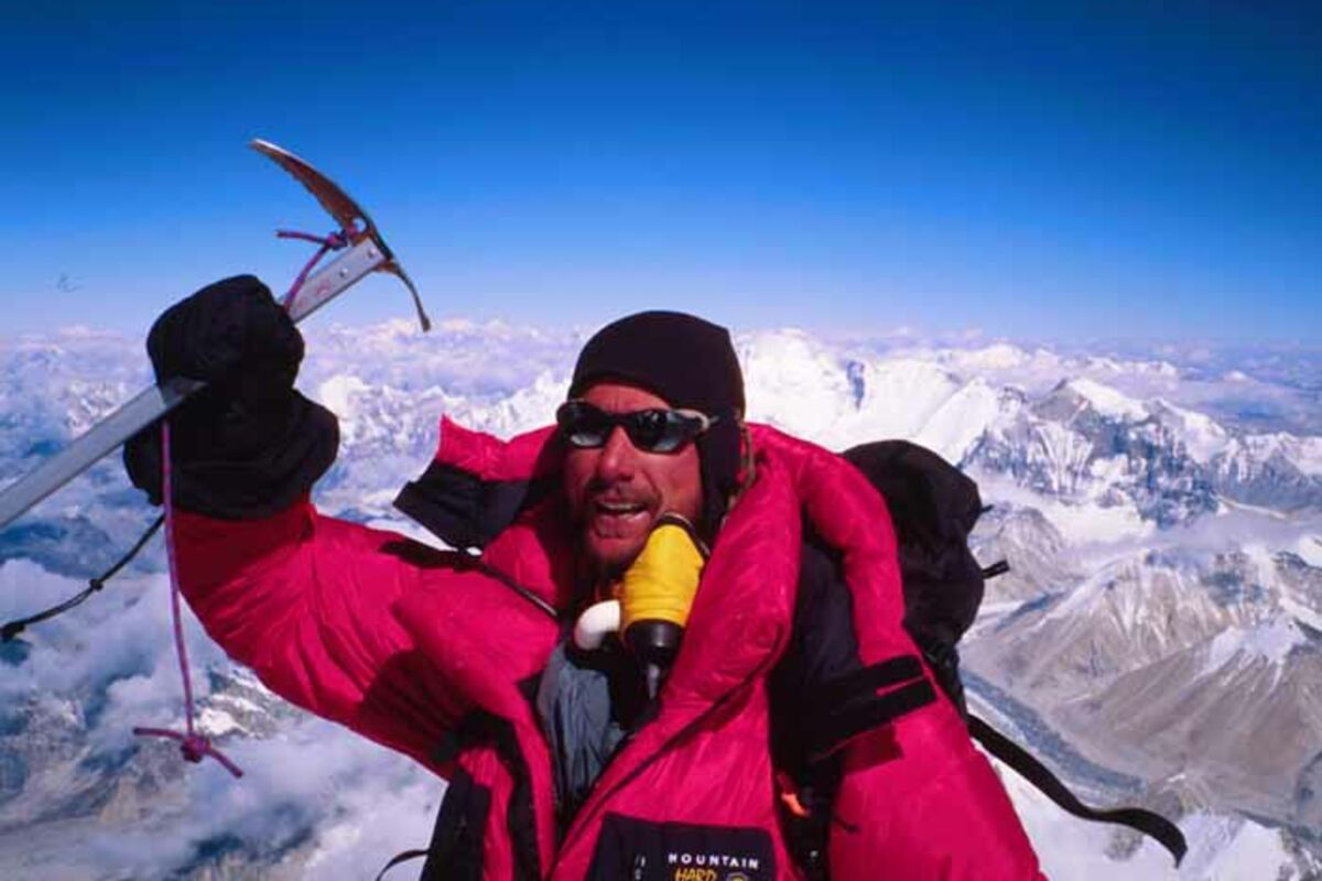 Everest Besteigung Tibet - Ryan Waters auf dem Gipfel | © SummitClimb Mount Everest