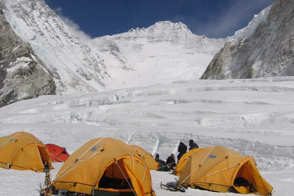 Expeditions Nepal Mount Everest and Lhotse, Camp 2