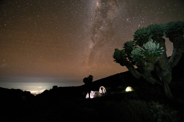 Barranco Camp in der Nacht (c) SummitClimb Kilimanjaro - Julian Beermann